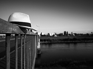 Gledajući uzvodno  - © Janko Belaj