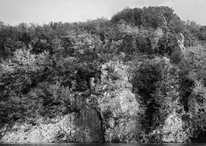 Cliff over the Water  - © Janko Belaj